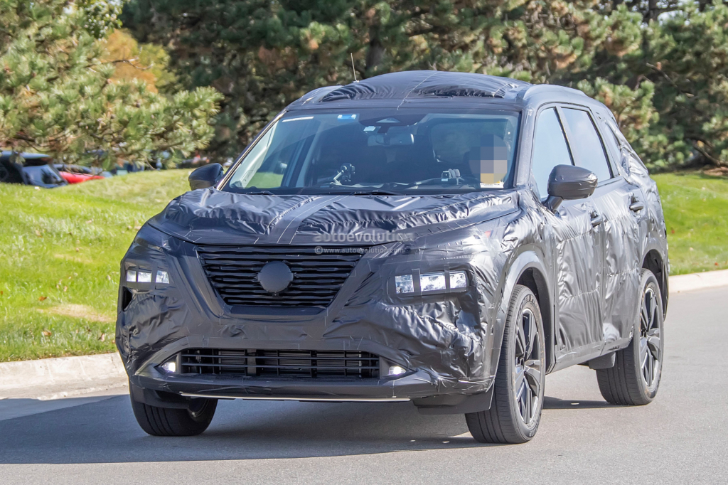 2021 Nissan Rogue Images